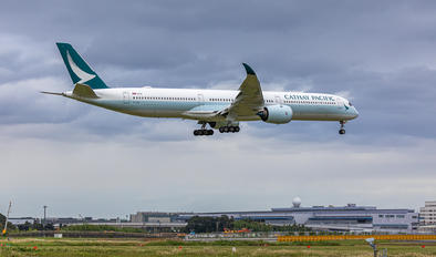 B-LXM - Cathay Pacific Airbus A350-1000