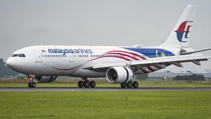 9M-MTZ - Malaysia Airlines Airbus A330-200