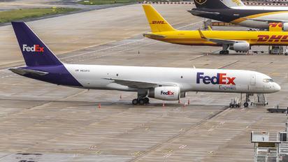 N922FD - FedEx Federal Express Boeing 757-200F