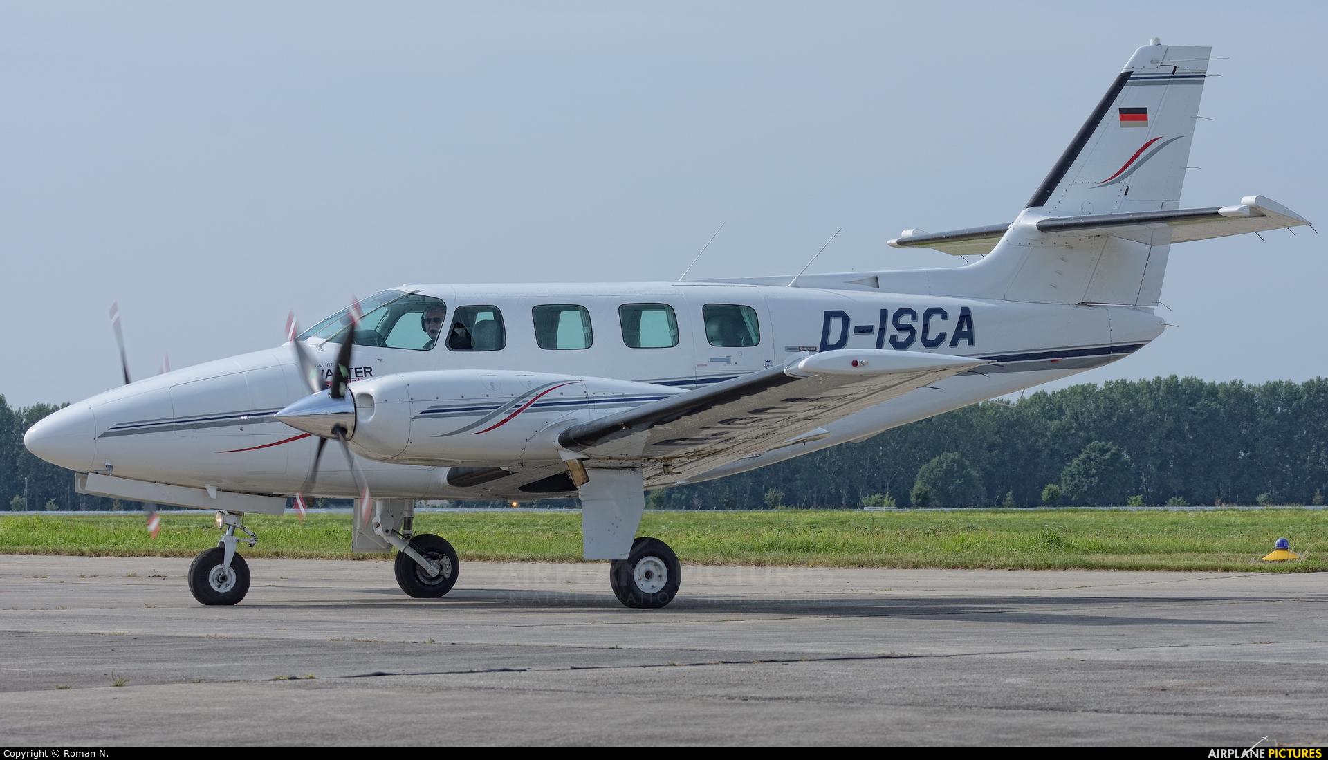 Private D-ISCA aircraft at Bautzen