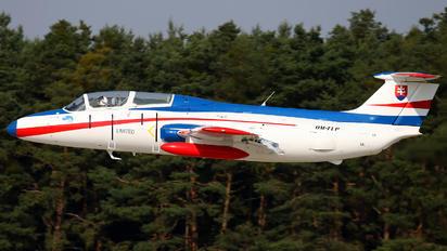 OM-FLP - Private Aero L-29 Delfín