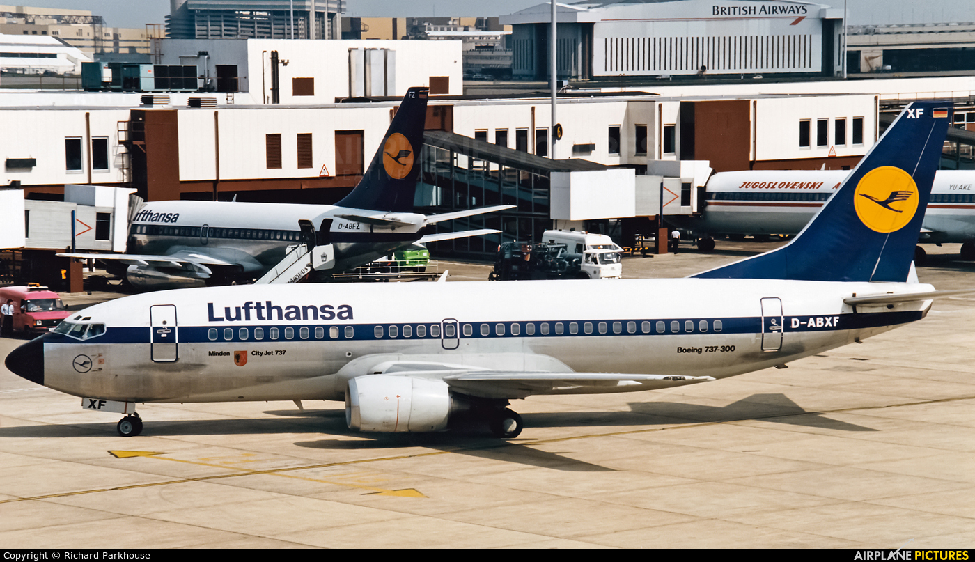 Lufthansa D-ABXF aircraft at London - Heathrow
