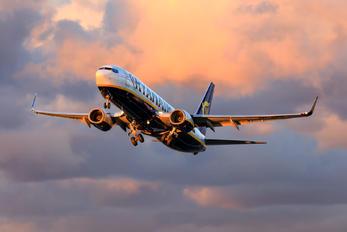 SP-RSZ - Ryan Air Boeing 737-8AS