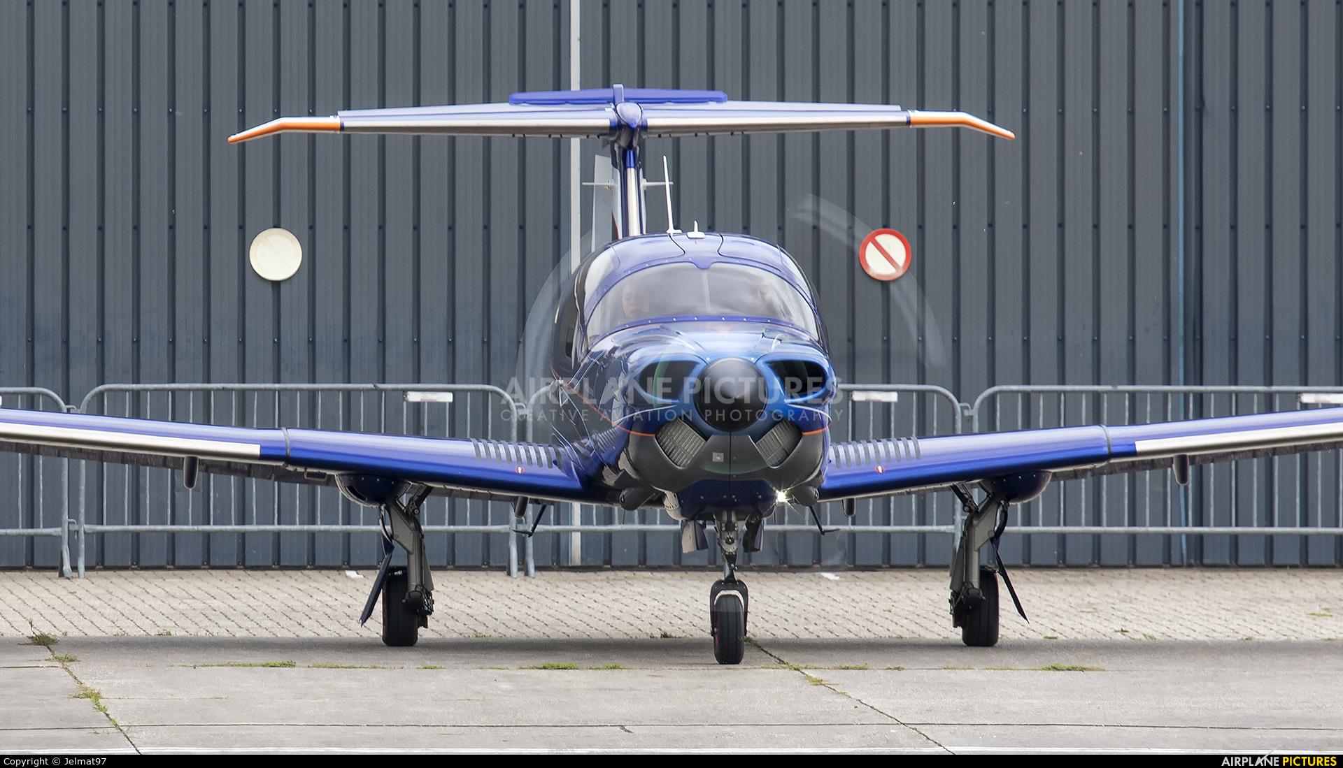 Diamond Aircraft Industries OE-VTW aircraft at Lelystad