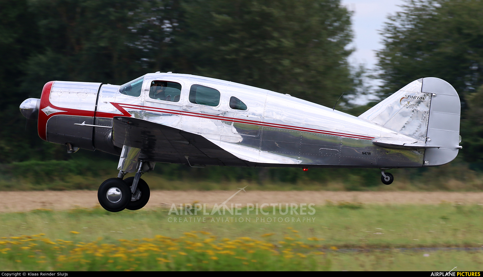 Private N47W aircraft at Melun-Villaroche