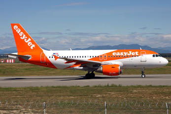 OE-LQQ - easyJet Europe Airbus A319