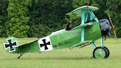 F-AZVD -  Fokker DR.1 Triplane (replica)
