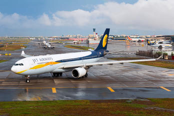 VT-JWV - Jet Airways Airbus A330-200