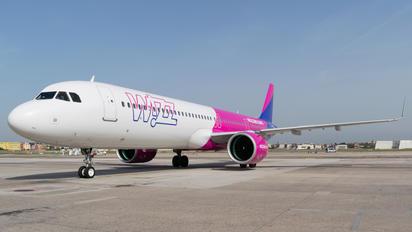 HA-LZB - Wizz Air Airbus A321 NEO