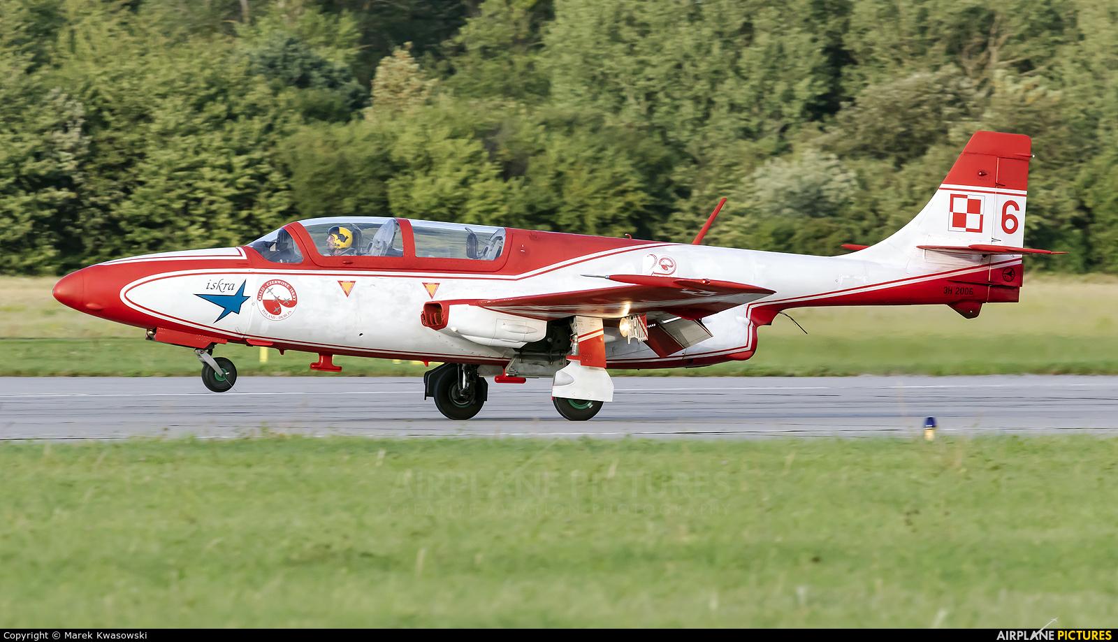 Poland - Air Force: White & Red Iskras 6 aircraft at Gdynia- Babie Doły (Oksywie)