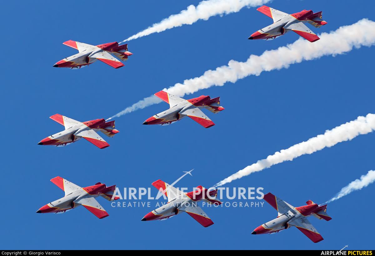Spain - Air Force : Patrulla Aguila E.25-31 aircraft at Rivolto