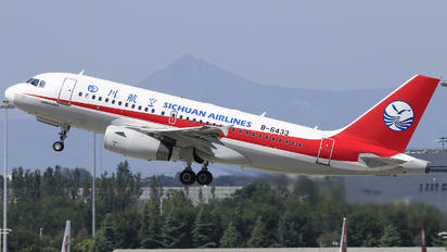 B-6433 - Sichuan Airlines  Airbus A319