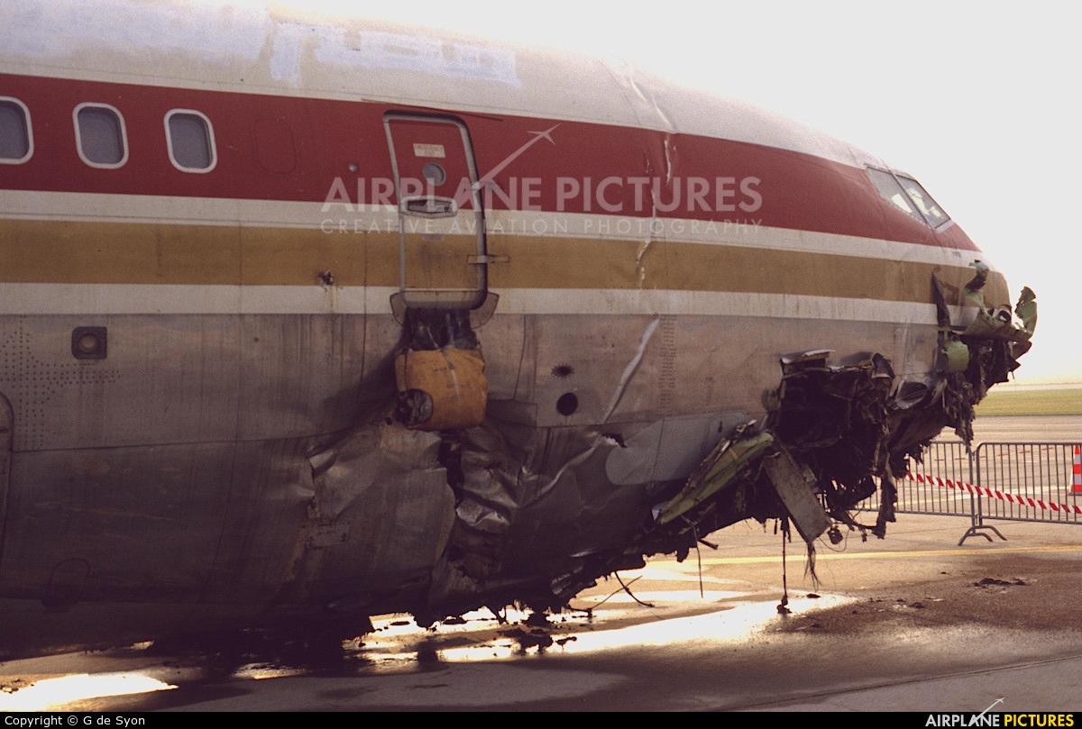 Egyptair SU-APE aircraft at Geneva Intl