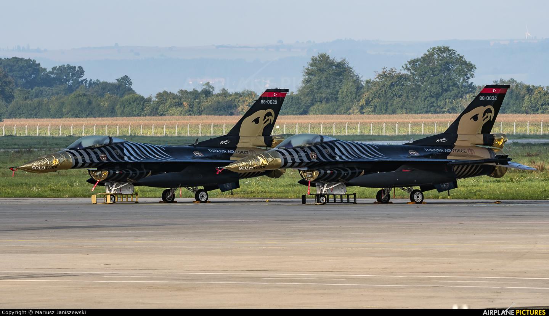 Turkey - Air Force 88-0032 aircraft at Ostrava Mošnov