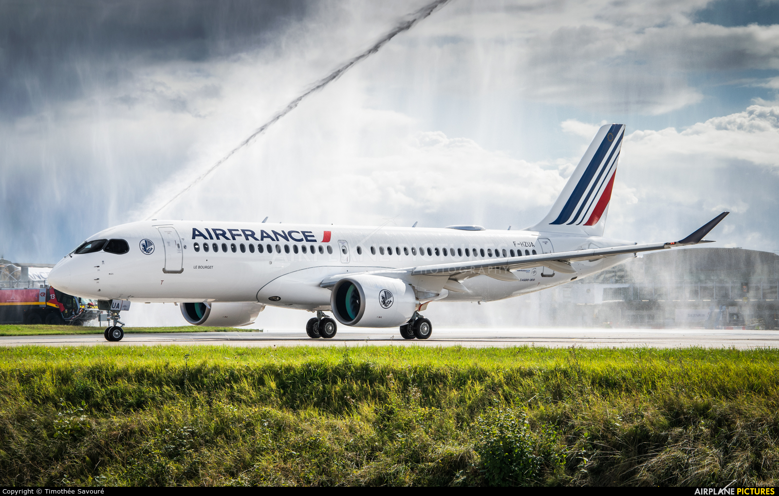 Air France F-HZUA aircraft at Paris - Charles de Gaulle