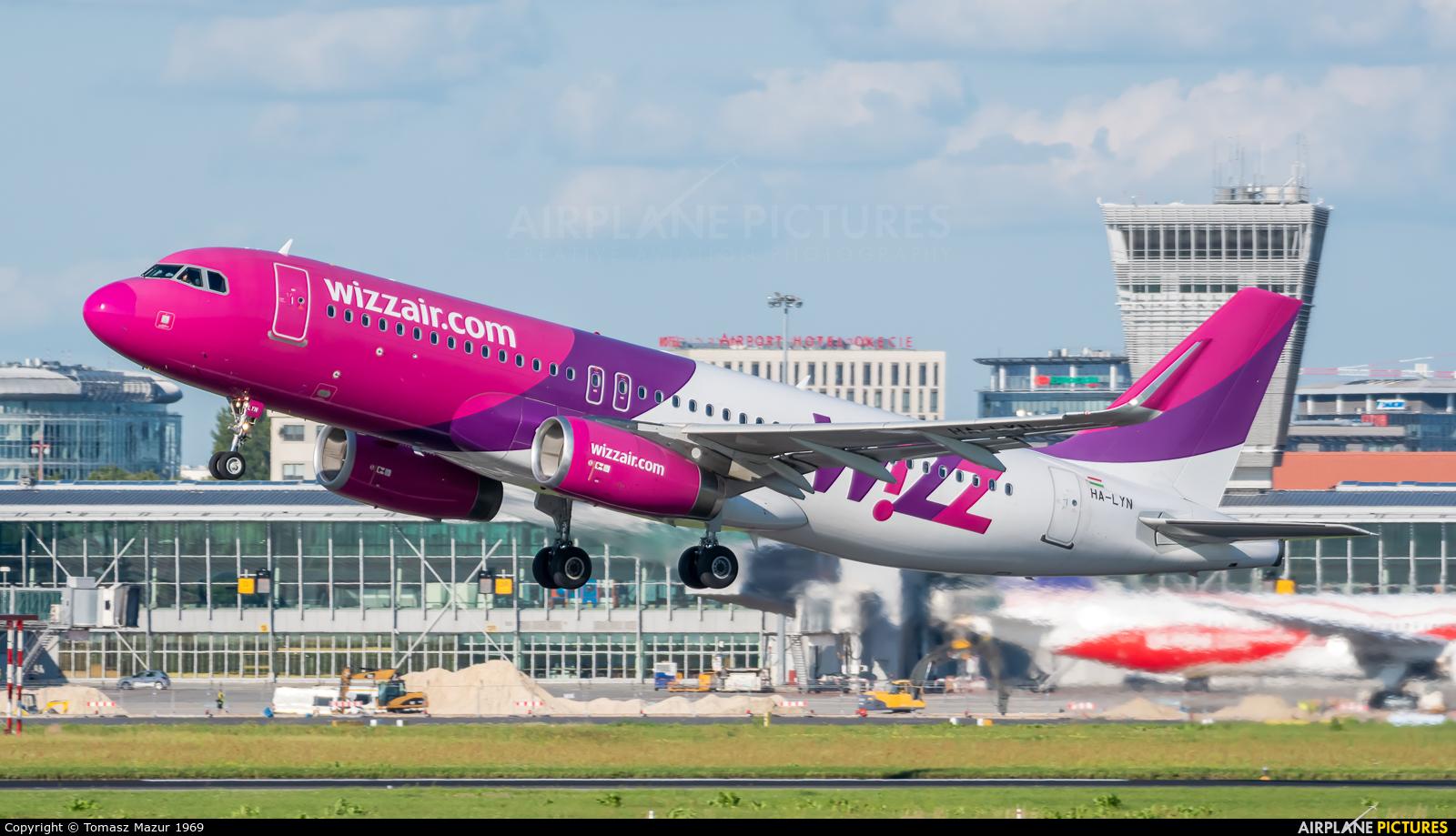 Wizz Air HA-LYN aircraft at Warsaw - Frederic Chopin