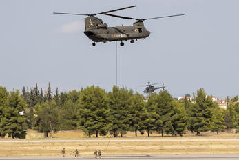 ES929 - Greece - Hellenic Army Boeing CH-147D Chinook