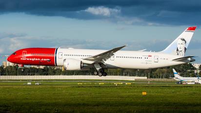 OE-LNM - Norwegian Air Sweden Boeing 787-9 Dreamliner