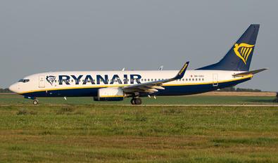9H-QAU - Ryanair Boeing 737-8AS