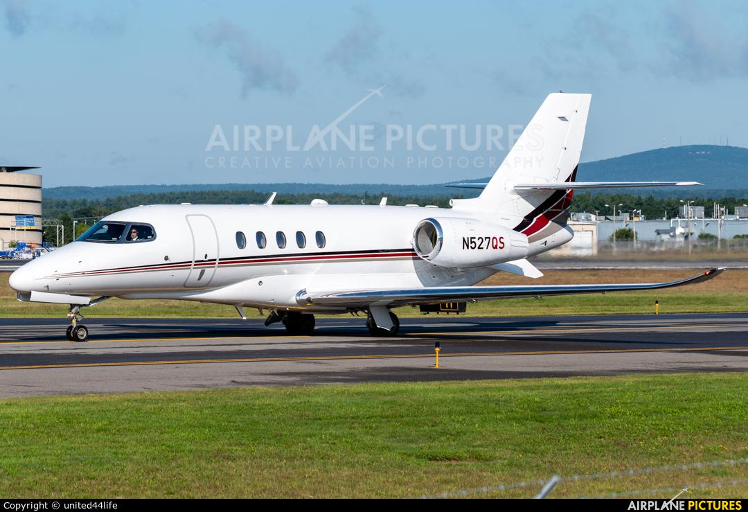 Netjets (USA) N527QS aircraft at Manchester – Boston Regional