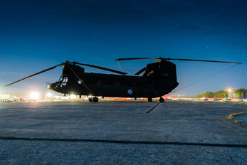 ES914 - Greece - Hellenic Army Boeing CH-47SD Chinook