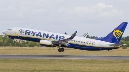 SP-RSQ - Ryanair Sun Boeing 737-8AS