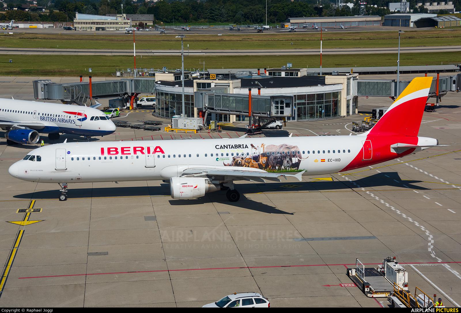 Iberia EC-IXD aircraft at Geneva Intl