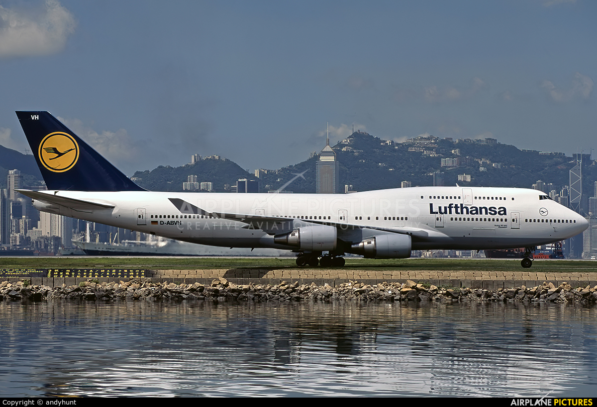 Lufthansa D-ABVH aircraft at HKG - Kai Tak Intl CLOSED