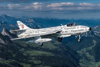 HB-RVS - Hunterverein Obersimmenthal Hawker Hunter F.58