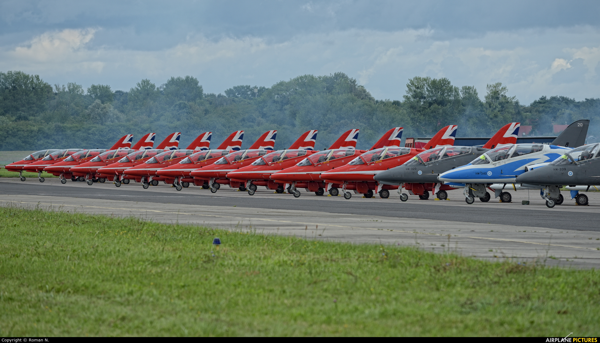 "Royal Air Force ""Red Arrows"" - aircraft at Gdynia- Babie Doły (Oksywie)"