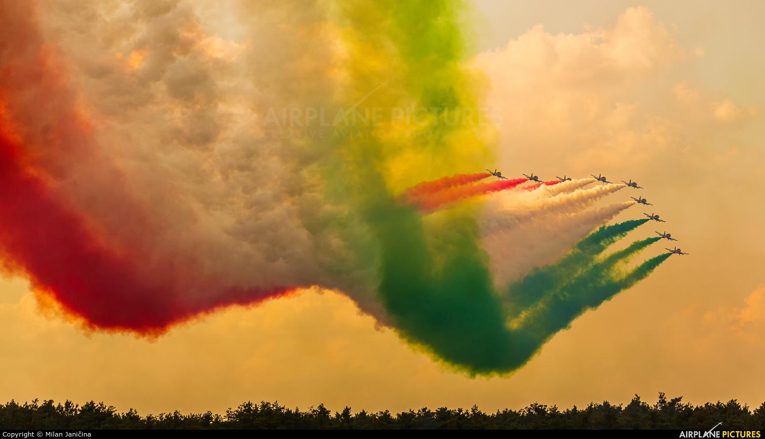 "Italy - Air Force ""Frecce Tricolori"" - aircraft at Malacky - Kuchyna"